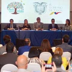 La firma del mayor compromiso de inversión privada de los últimos años se dio este viernes en Guayaquil. Foto: API