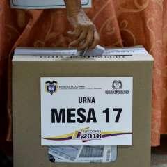 Colombianos votan en Venezuela entre Iván Duque y Gustavo Petro. Foto: AFP