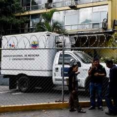 Familiares de los fallecidos en club de El Paraíso. Foto: AFP