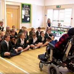 El niño con parálisis cerebral que enseña a otros niños a que no le tengan miedo.