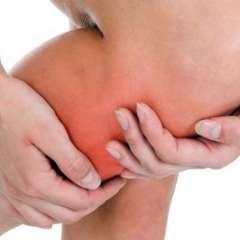 El síntoma más común de una trombosis es el dolor en la extremidad afectada.