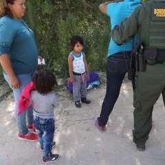 Juez de EEUU frena temporalmente las deportaciones de familias reunificadas. Foto: AFP  - Archivo