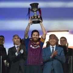 El argentino se convirtió en el jugador con más títulos en la historia del club. Foto: FADEL SENNA / AFP
