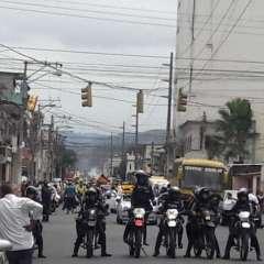 Mayoría de fallecidos en vía Cuenca-Molleturo, sepultados en cementerio de Guayaquil. Twitter: @ATMGuayaquil