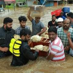 6.000 aún se encuentran atrapadas en zonas afectadas por las lluvias. Foto: AFP
