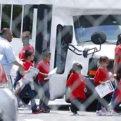 El fallo podría ayudar a miles de menores de edad. Foto: AP