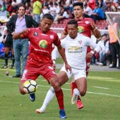 QUITO, Ecuador.- Los albos no pudieron sacar los tres puntos en casa ante Técnico Universitario. Foto: API