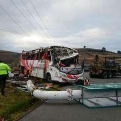 COLTA, Ecuador.- El bus de la cooperativa Turismo Oriental cubría ruta interprovincial Cuenca - Quito. Foto: Cortesía.
