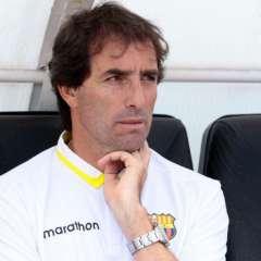 El estratega uruguayo defendió a los jugadores Joffre Guerrón y Christian Alemán. Foto: API