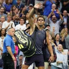 NUEVA YORK, EE.UU.- El tenista español se retiró del US Open por sus dolencias en la rodilla derecha. Foto: AFP