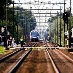 Cuatro niños en bicicleta mueren atropellados por un tren en Holanda. Foto: AFP
