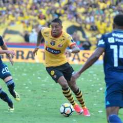 GUAYAQUIL, Ecuador.- Michael Arroyo asistió a Félix Torres, quien anotó el único gol del Clásico del Astillero. Foto: API