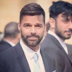 WINDSOR, Reino Unido.- Ricky Martin durante su arribo al Castillo de Windsor durante la boda de la princesa Eugenie. Instagram.