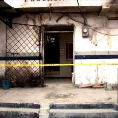 POSORJA, Ecuador.- El retén policial permanece bajo vigilancia tras ser vandalizado por la ciudadanía. Foto: Ecuavisa.