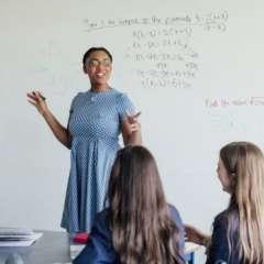 Los países con mejor educación tienen en común una mayor valorización de la carrera docente.