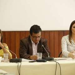 """QUITO, Ecuador.- La comisión ocasional escucha el audio de tres horas sobre cobro de """"contribuciones"""". Foto: API"""