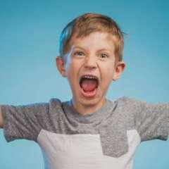 Con frecuencia los niños con mal comportamiento son tachados de problemáticos pero a veces hay una situación familiar.