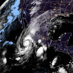Huracán Willa en la costa del Pacífico de México Foto: AFP