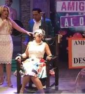 Fátima y BluRay protagonizaron 'Amigovios al desnudo' en el set de En Contacto.Foto: Captura
