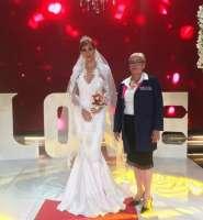 GUAYAQUIL, Ecuador.- Narcisa Lino confeccionó un vestido de novia en esta prueba final.