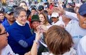 Hoy el candidato de CREO, Guillermo Lasso, continuó sus recorridos por Quito de cara a la segunda vuelta electoral. Foto: TW de CREO
