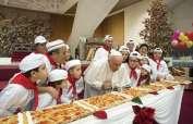 Pontífice celebró con niños que se benefician de un programa de Salud de la San Sede. Foto: AP