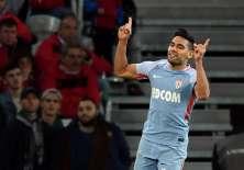 El atacante colombiano hizo 2 de los 4 goles en el triunfo ante el Lille. Foto: AFP
