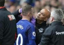 El ojo ensangrentado de Wayne Rooney opacó el triundo de Everton sobre Bournemouth.