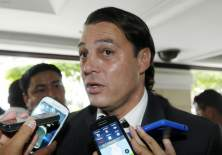 Carlos Alfaro Moreno deberá acudir a la FEF para aclarar sus declaraciones en contra del arbitraje.