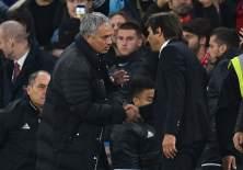 Los técnicos José Mourinho y Antonio Conte volvieron a tener un cruce de palabras.