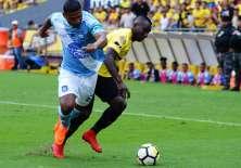 El defensa ecuatoriano no viajó a Argentina con el club 'millonario'. Foto: API