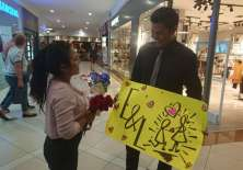 GUAYAQUIL, Ecuador.- Tras 5 años de novios, Edward Solórzano preparó una sorpresa inolvidable para Lupita Chica. Foto: Cortesía