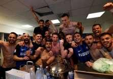 Los jugadores del Inter de Milán festejaron en camerinos su pase directo a la Champions. Foto: twitter