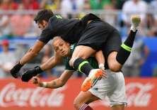 El arquero brasileño fue traspasado de Roma al Liverpool  por 72,5 millones de euros. Foto: Fabrice COFFRINI / AFP