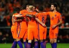 Jugadores de Holanda celebran la victoria.