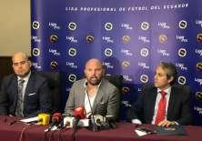 Presidente de Liga Pro (medio) Miguel Ángel Loor