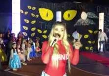 MaFer Pérez canta en vivo