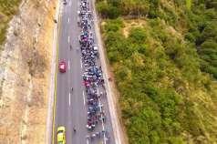 Multitudinaria marcha en sector fronterizo / Fotos: Paola Andrade / Ecuavisa