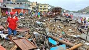 Oleaje destruyó el malecón de Súa - Esmeraldas