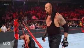 Regresó tras su combate con Goldberg.