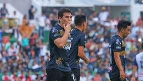 David Vélez, celebrando un gol.