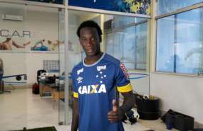 El ecuatoriano Luis Caicedo llega a Barcelona procedente del Cruzeiro de Brasil.