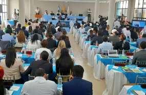 GUAYAQUIL, Ecuador.- El pleno legislativo revisa 7 puntos en su sesión en Guayaquil, por fiestas de fundación. Foto: Twitter Tv Legislativa