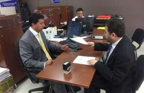 QUITO, Ecuador.- El defensor del Pueblo, Ramiro Rivadeneira, presentó este 23 de octubre de 2017, observaciones a la pregunta 3 de la consulta popular. Foto: API