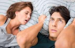 ¿Los ronquidos de tu pareja no te dejan dormir? Te presentamos algunas soluciones tecnológicas que prometen ayudarte a conciliar el sueño.