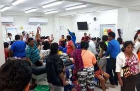 Algunos menores intoxicados fueron atendidos en el Hospital General Villamil Playas. Foto: @cups_fire_gye