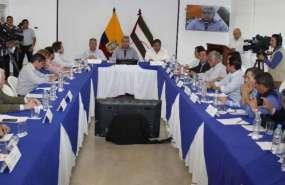 El presidente ofreció culminar la reconstrucción de hospitales en Manabí afectados por terremoto. Foto: Twitter Presidencia.