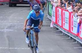 El ecuatoriano también subió al quinto lugar en la clasificación general. Foto: @Movistar_Team
