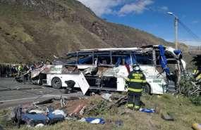 La labor de identificación se ha dificultado. Foto: Bomberos de Quito / AFP