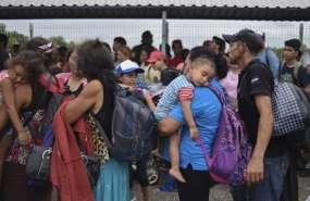 México abre frontera a mujeres y niños migrantes. Foto: AFP